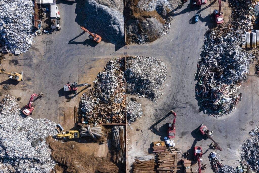 Jak działa recykling odpadów budowlanych?